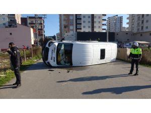 Mersin'de Öğrenci Servisi Kaza Yaptı: 11 Yaralı