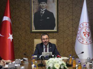 """Bakan Kasapoğlu: """"Sahada Rakip, Saha Dışında Ebedi Dostuz"""""""