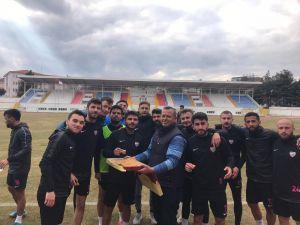 Isparta 32 Sporlu Futbolculara Esnaf Morali