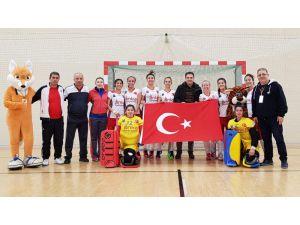 Hokeyin Sultanları Avrupa Kupasına Fırtına Gibi Başladı