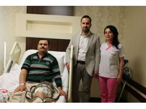 10 Ameliyat Geçirdi, 5 Yıl Sonra Yürüyebilecek