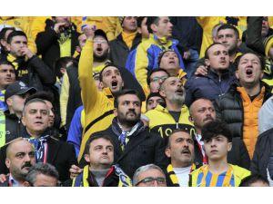 Mke Ankaragücü Başkanı Fatih Mert Maçı Taraftar İle İzledi