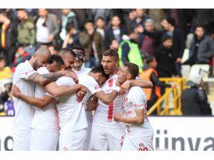 Antalyaspor'dan İkinci Yarıda Büyük Çıkış