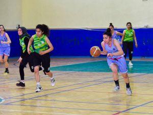 Osmaniye'de Basketbol Şampiyonası Sona Erdi