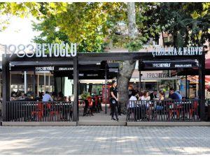 1983Beyoğlu Çikolata 15'inci şubesini açtı