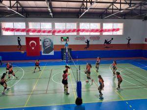 Voleybol Yıldızlar Türkiye Grup Birinciliği Sona Erdi