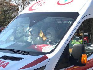 Tahran-istanbul Seferini Yapan Uçaktaki Yolcular Tedbir Amaçlı Hastaneye Götürüldü