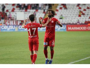 Antalyaspor'da Sangare Dönüyor
