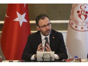 """Bakan Kasapoğlu: """"Liglerin Ertelenmesine Birlikte Karar Verdik"""""""