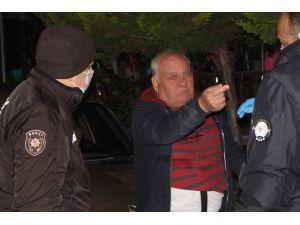 67 yaşındaki alkollü vatandaş polise zorluk çıkarttı