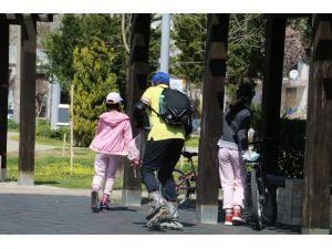 Uyarıyı duyan yabancılar sporu bırakıp parkları boşalttılar
