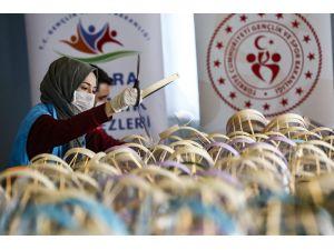 Gençlik Merkezlerinde 'Korumalı Maske' Üretimi