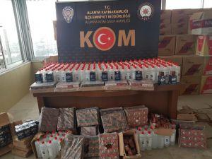 Antalya'da yüklü miktarda sahte maske ve kaçak akaryakıt ile geçirildi