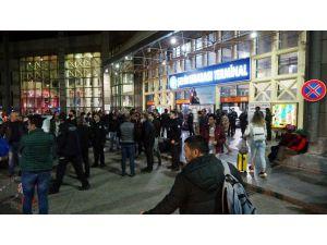 Antalya otogarında şehirlerarası yolculuk kısıtlaması yoğunluğu