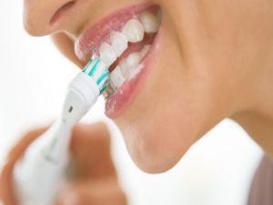 Şarjlı diş fırçalarında bilinçsiz kullanımına dikkat