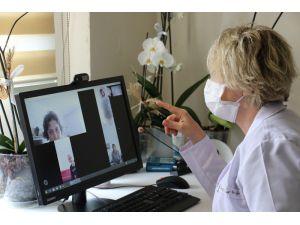 Korona Virüsten Dolayı Evinden Çıkamayan Hastalara Videolu Tedavi