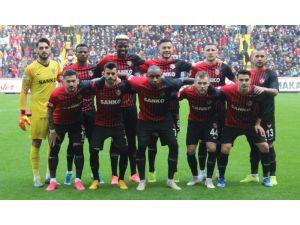 Gaziantep Fk'da Futbolculara Seyahat İzni Verildi