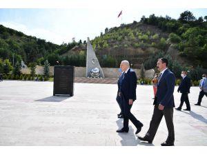 """Mhp Lideri Bahçeli'den """"Ülkücü Şehitleri Anma Günü"""" Açıklaması"""