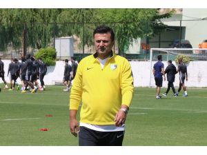 """Bülent Uygun'dan Sitem: """"Bu İşin Emekçisi Olan Futbolcular Ve Teknik Direktörlerle Konuşulmadı"""""""
