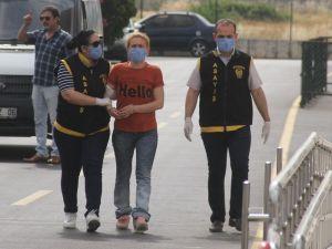 """""""Aşk Tuzağı"""" Kurup Vahşi Cinayete Neden Olan Kadına Ömür Boyu Hapis"""