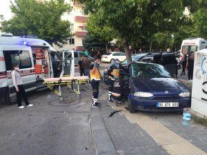Başkent'te İki Otomobil Çarpıştı: 1 Yaralı