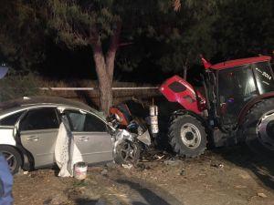 Mevsimlik İşçilerin Konakladığı Alana Otomobil Daldı: 2 Ölü
