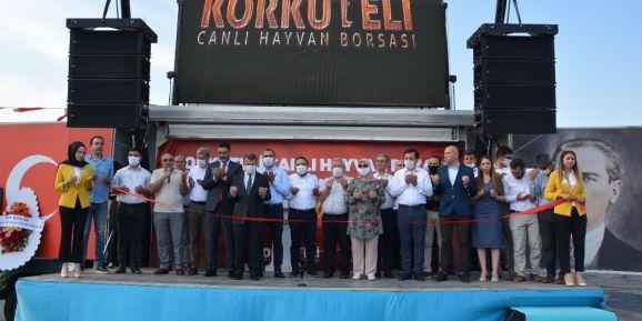 """Belediye Başkanı İşlek: """" 15 aylık zaman diliminde projelerimizin yüzde 94'ünü tamamladık """""""