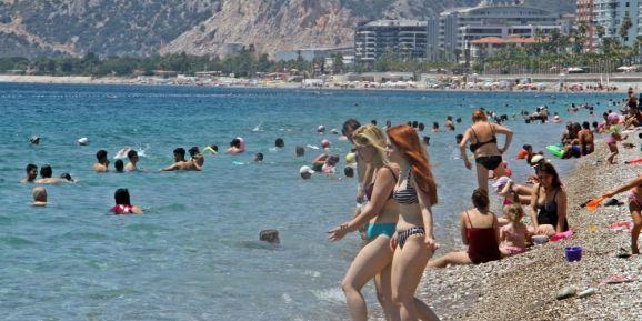 Dünyaca ünlü sahilde 'çok fazla normalleştik' dedirten görüntüler