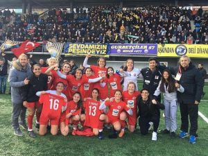 Kırbıyık A.ş 1207 Kadın Futbol Takımı 1. Lige Çıktı