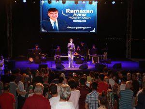 Serdar Tuncer Antalyalılara Unutulmaz Bir Akşam Yaşattı