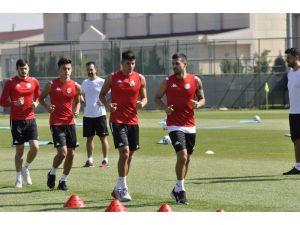 Antalyaspor, Afyonkarahisar Kampında İlk Antrenmanına Çıktı
