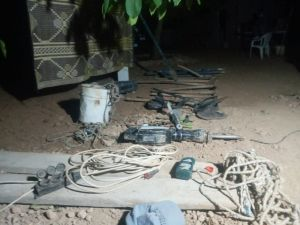 Perde İle Kapattıkları Bağ Evinde Kaçak Kazı Yaparken Yakalandılar