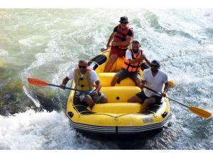 Tarsus Şelalesinde İlk Kez Rafting Yapıldı