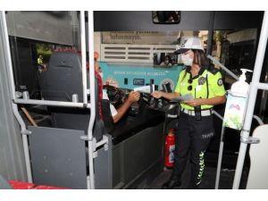 Trafik Polislerinden Korana Virüs Denetimi