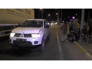 Kamyonet İle Elektrikli Bisiklet Çarpıştı: 2 Yaralı