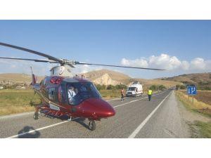Yaralıları Kurtarmak İçin Zamanla Yarışan Helikopter Karayoluna İndi