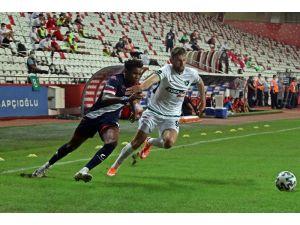 Süper Lig: Antalyaspor: 0- Denizlispor:0 (İlk Yarı)