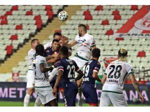 Antalyaspor İlk Üç Haftada Zirveye Ortak