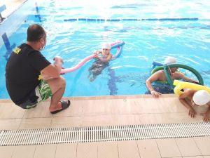 Adana'da 6 Bin Genç Yüzme Öğrendi