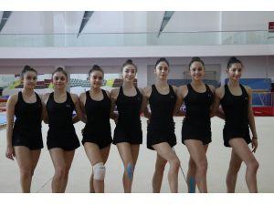 Ritmik Cimnastik Büyükler Milli Takımı, Mersin'de Kampa Girdi