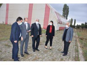 Sinanpaşa'ya Yapılan Spor Tesisi İncelendi
