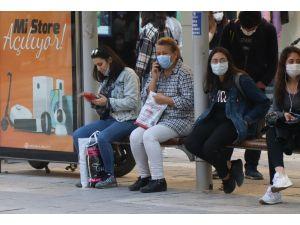Tiryakiler Denizli'de Alınan Sigara Yasağını İlk Günden Deldi