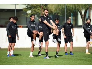 Denizlispor, Beşiktaş Maçına Mola Vermeden Çalışıyor