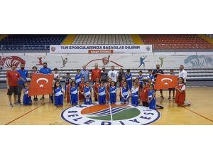 Kepez Belediyesi Spor Kulübü'nden Cumhuriyet Bayramı Kutlaması