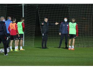 Ersun Yanal, Antalyaspor İle İlk Antrenmanına Çıktı