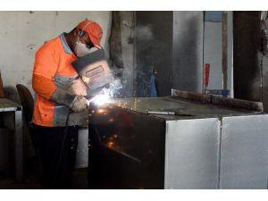 Muratpaşa'da konteynerler yenileniyor
