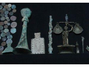 İlk Tıp Diploması Olduğu İddia Edilen Tarihi Eser Adana'da Ele Geçirildi