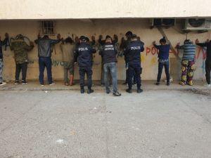 Antalya'da 300 polisle dev uyuşturucu operasyonu