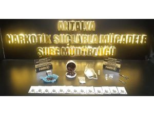 Antalya'da hurma içine enjekte edilmiş uyuşturucu yakalandı