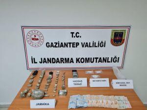 Jandarma'dan Uyuşturucu Tacirlerine Şafak Baskını